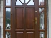 drzwi wejściowe drewniane z doświetlami
